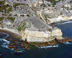 Aerial view along a section of Palos Verdes peninsula.